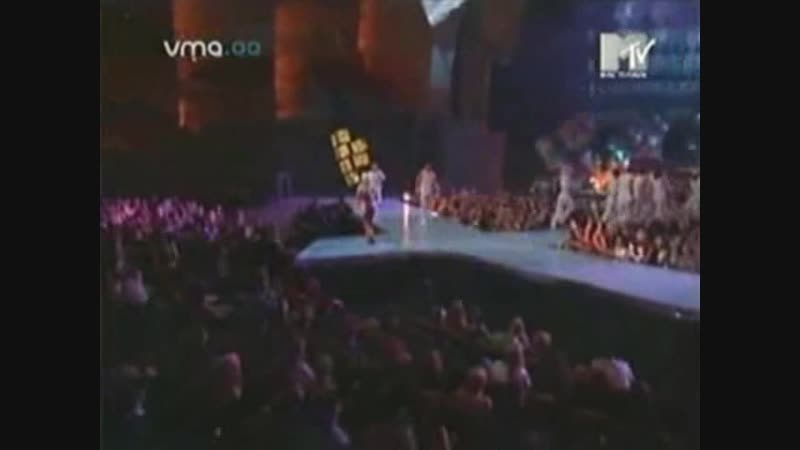 Limp Bizkit ft. Christina Aguilera - Come On Over (Live @ VMA 2000)