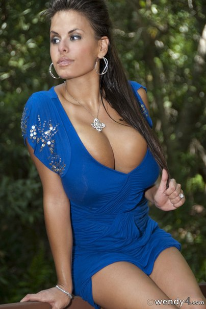 Sexy girlfriend with huge tits masturbates