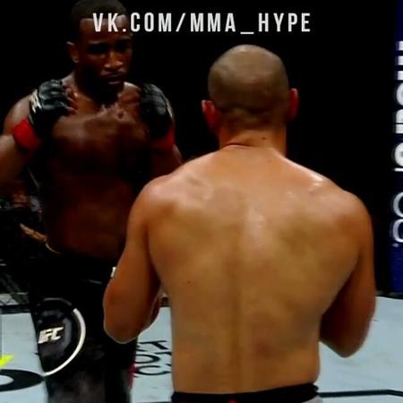 Топ нокаут хайкиком на турнире UFC 228