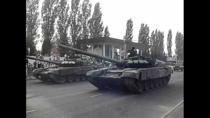 Курск! Репетиция парада к 75 годовщине Курской Битвы! Поле боя держится на танках, и по другому не бывает!
