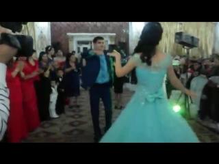 танец брата и сестры