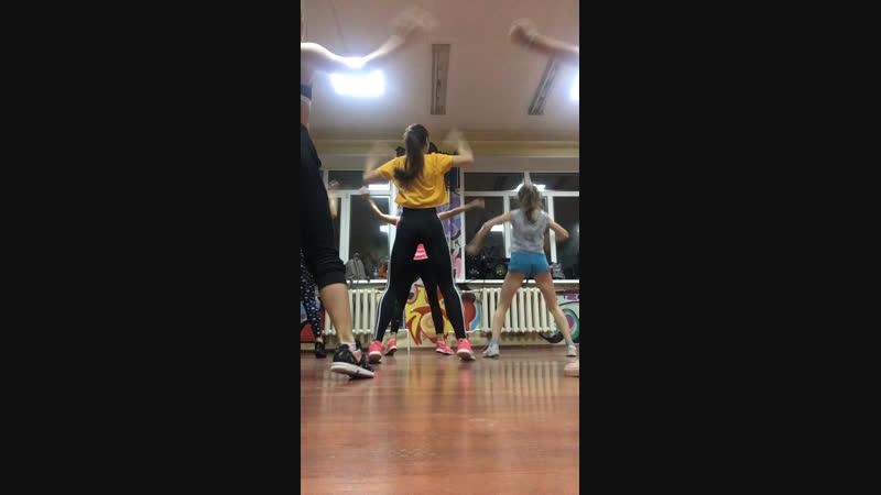 Booty dance Polina