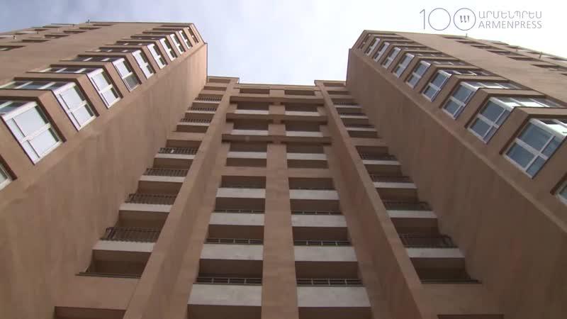 Նիկոլ Փաշինյանը Երևանում մասնակցում է նորակառույց բնակելի շենքի բացման արարողությանը mp4