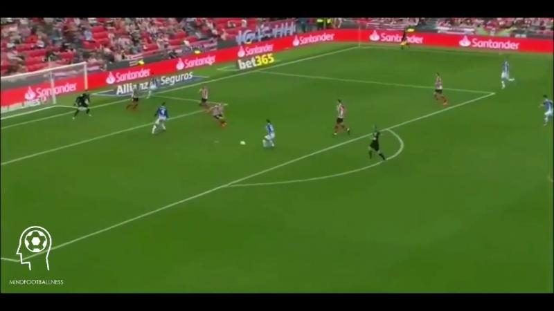 Активная позиция в футболе является первой и наиболее важной умственной характеристикой.Поддержка и создание преимущества в атак