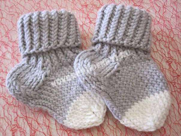 Носочки для малышей спицами, с описанием… (9 фото)