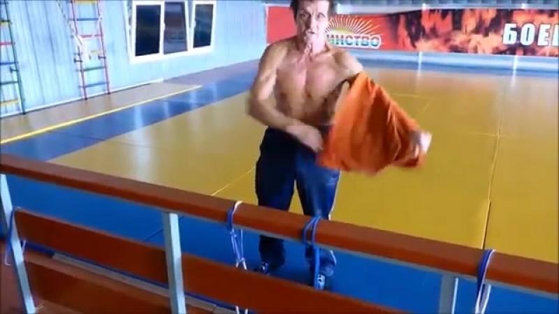 Тренер по греко-римской борьбе в свою 73 продолжает заниматься. Лайк мужику