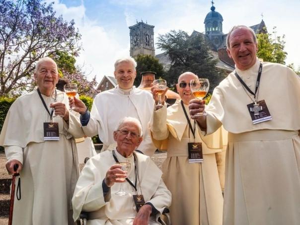 Монахи, которые любят варить пиво.