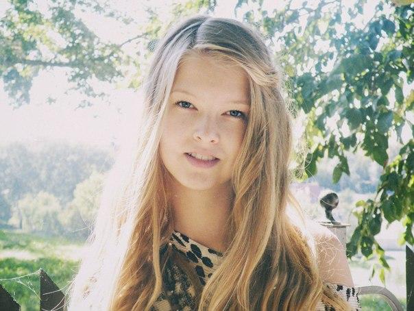 [id238947520|Василиса Васецкая]  Красивая, умная, весёлая девочка.17 л