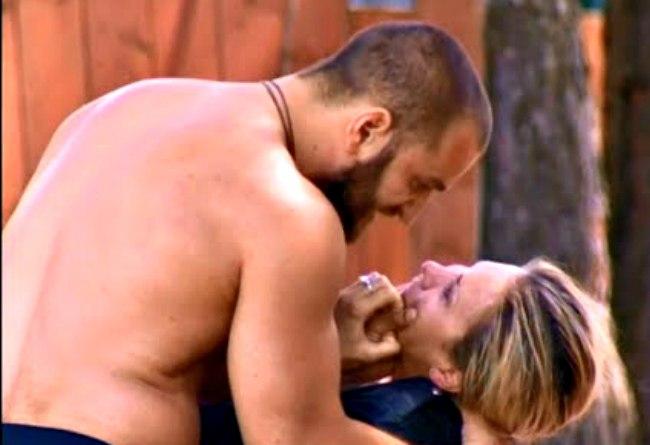 любовь драка с элиной камирен порно сцены
