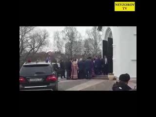 Приезд скромного Патриарха Кирилла