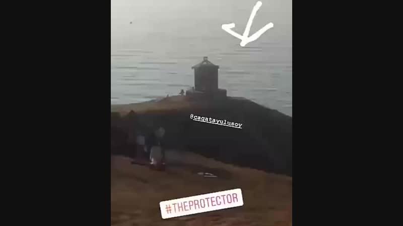 Айча и Чагатай в процессе съёмок 2 сезона сериала Защитник