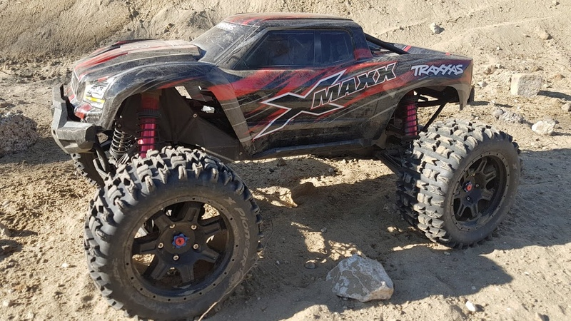 Driving toy car Four-wheel drive RC Xmaxx Car Race Amazing video for kids