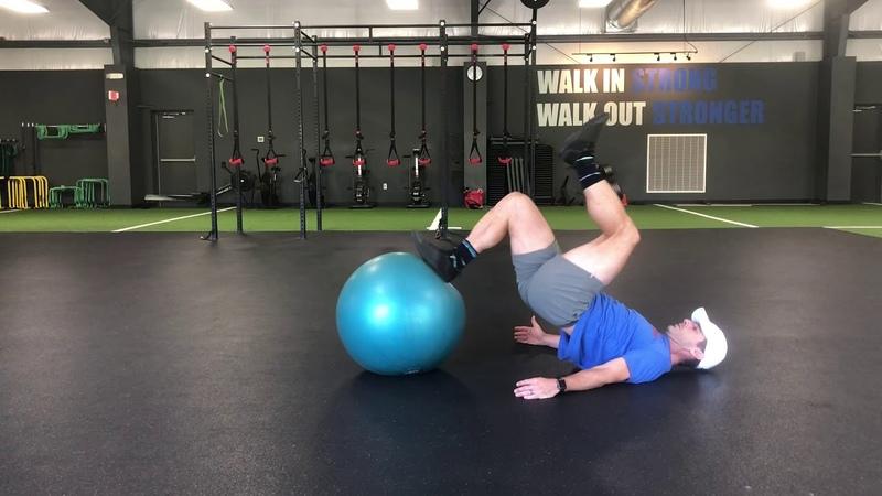 Уил Флеминг унилатеральное упражнение с фитболом на заднюю поверхность бедра