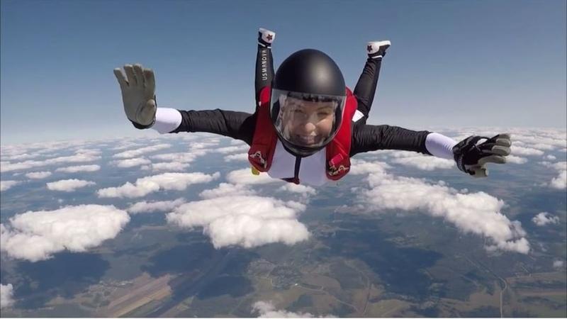 Екатерина Усманова on Instagram Oh my God первый прыжок в этом году немного шатает но в общем раскрываюсь отделяюсь пилотирую и приземля