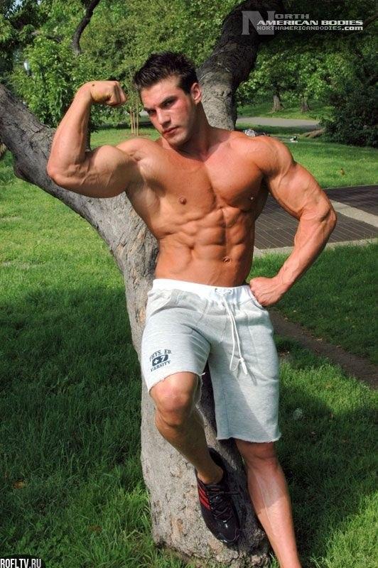 фото мускулистых геев