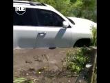 В Майкопе двое мужиков проверили свою машину на тест-драйв