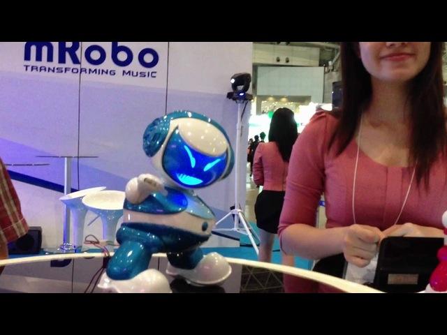 MRobo танцующий робот