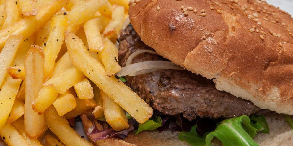 Бургеры являются популярной едой на вынос