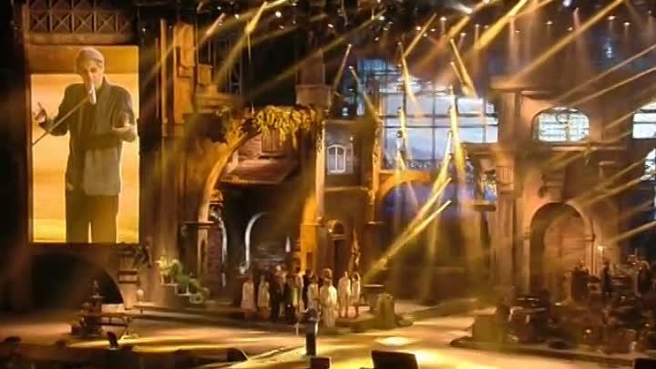 Последний концерт А Челентано г Верона 2012 очень красиво особенно через ТВ