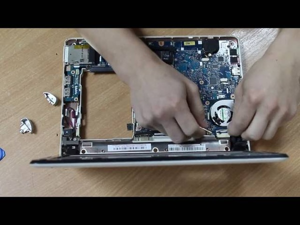 Acer Aspire One D250 - чистка от пыли (разборка, замена термопасты, сборка)