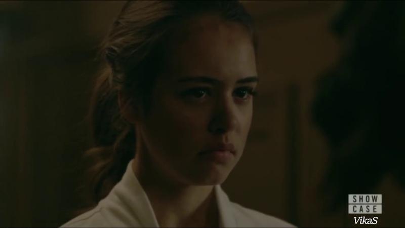 Legacies Josie and Penelope Kiss Slowed Down 1x06 Posie