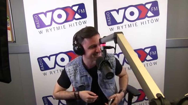 Mario Bischin w VOX FM - Przez Twe Oczy Zielone (Oszalałem!)