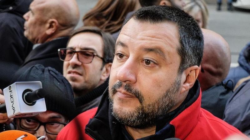 Sanremo 2019, Matteo Salvini massacra Claudio Baglioni: Ti pagano gli italiani, taci