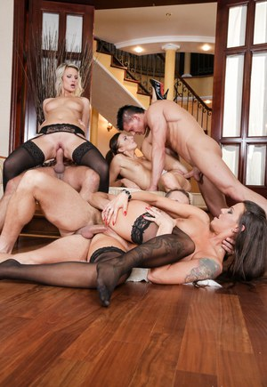 Plumper wife blacks bull gangbang