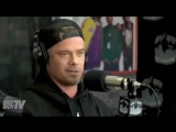 Джош поддерживает Фёрги на интервью для iHeartRadio