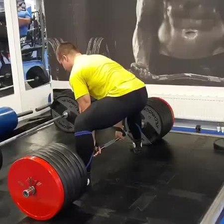 "Powerlifting on Instagram: ""@belkin_one_power 3 x 400kg (880lbs) on a stiff bar at 102,7kg (226lbs) b/w ➖➖➖➖➖➖➖➖➖➖➖➖➖➖➖➖ Tag 👤 your training buddy ..."
