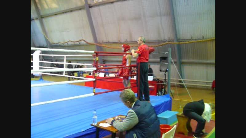 Бой в Соколе 11.11.2018 в красной форме Дима Шукри 2 бой