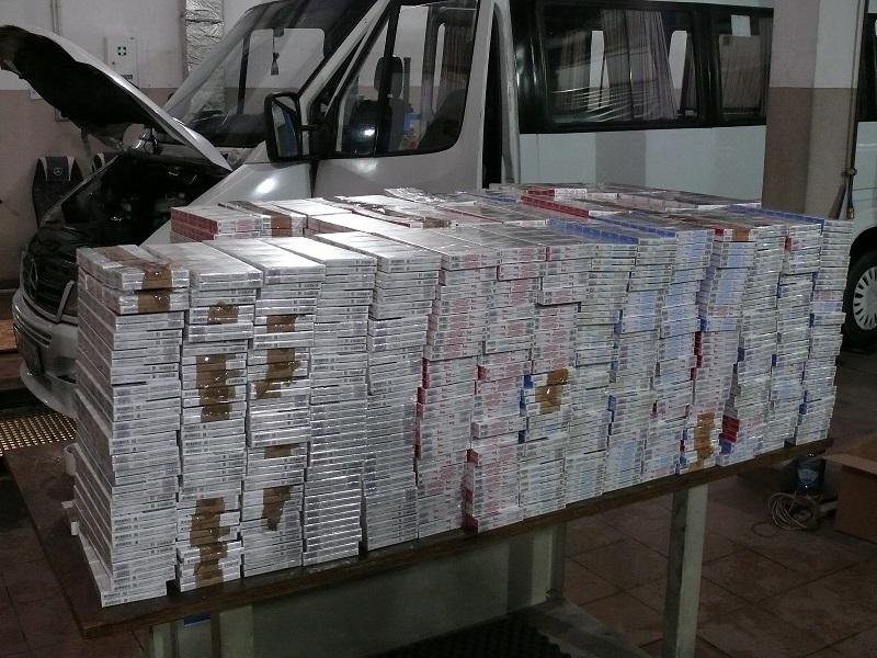 Польские пограничники нашли сигареты в микроавтобусе из Беларуси