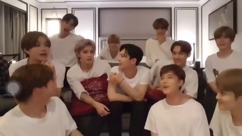 Ten arguing that johnny has the best ass