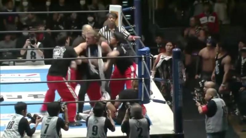 Крис Джерико атаковал Тетсуя Найто (5.1.18)