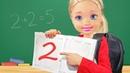 ПОЛУЧИЛА 2 и УШЛА ИЗ ДОМА! Мультик с куклами Барби, школа