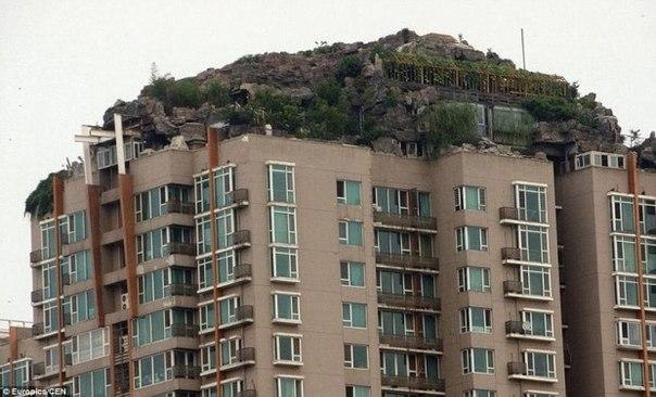 Китаец построил горную виллу на крыше жилого дома