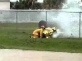 Fireman And Firehose Fail Пожарные и шланг