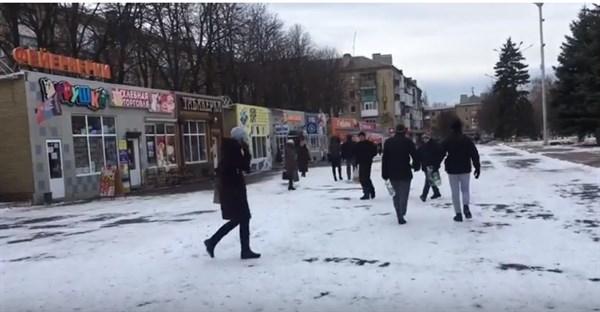 Жительница Горловки показала цены на продукты в городе (ВИдео)