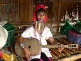 Племя длинношеих женщин Карен на севере Таиланда