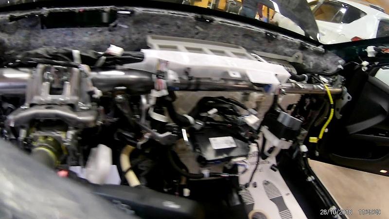Защита от угона Toyota Camry Пример разбора салона для скрытной установки
