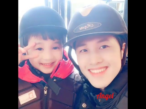 Kim Hyun Joong family's pictures 2019