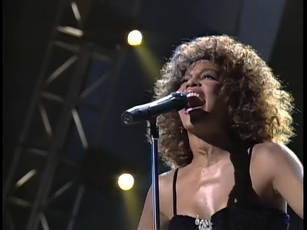 Whitney Houston - Greatest Love Of All (Arista Records 15th Anniversary Concert, 1990)