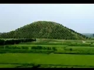 Уйгурские пирамиды