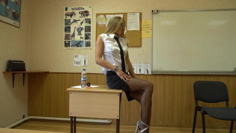 Exquis Girl Striptease
