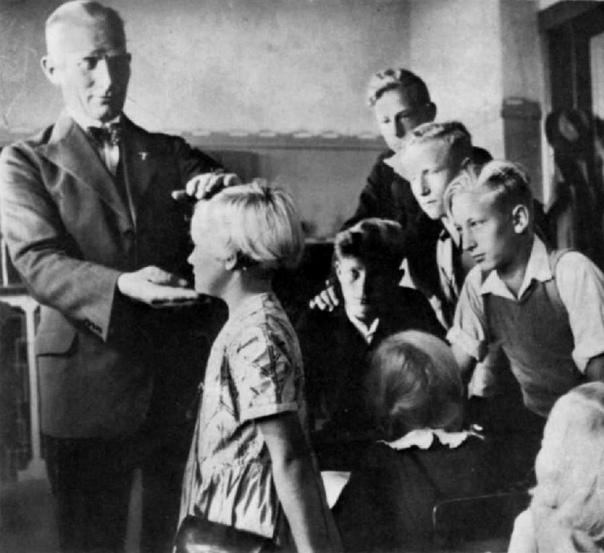 «Очищение» крови: секретный проект нацистов по выращиванию супердетей Как известно, в основе идеологии Третьего рейха лежал постулат о превосходстве арийской расы над всеми прочими. Дальнейшее