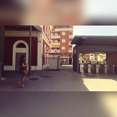 Гарри Топор on Instagram Центр Барсы действительно красив своей уникальной архитектурой и приятным налетом пошарпанности старой Европы Погулят смотреть онлайн без регистрации