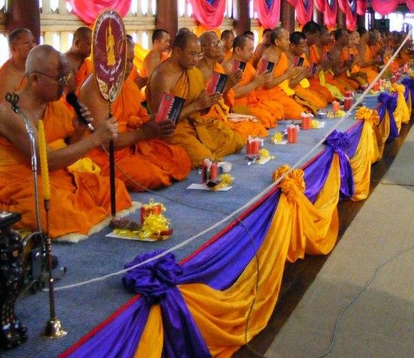 Тібетські монахи і Візитка Яроша