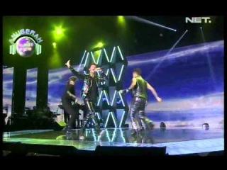 S4 - She Is My Girl - Anugerah Planet Muzik 2013 Singapore 181013