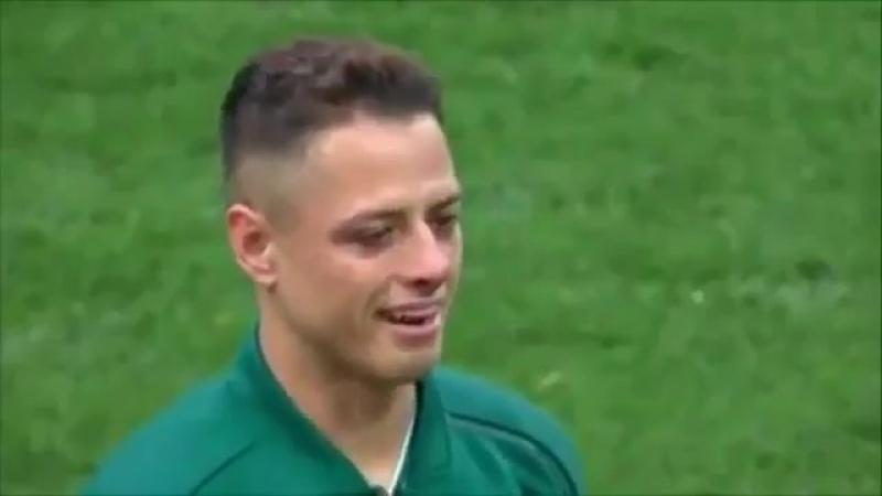 Чичарито исполняет гимн Мексики. MEX WorldCup