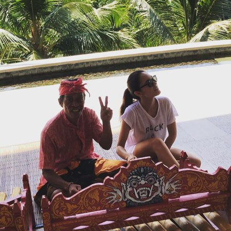 Alina Avgust on Instagram 😎✌🏽so this hottie is teaching me how to play a traditional Balinese instrument gamelan 🎶😸❤️ fastlearner onelove
